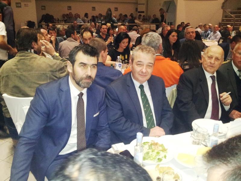 Έφτασαν λίγο καθυστερημένα ο Δήμαρχος με τον πρόεδρο του Δημοτικού Συμβουλίου αφού προηγήθηκε μία κοπή πίτας στην Σταυρούπολη.